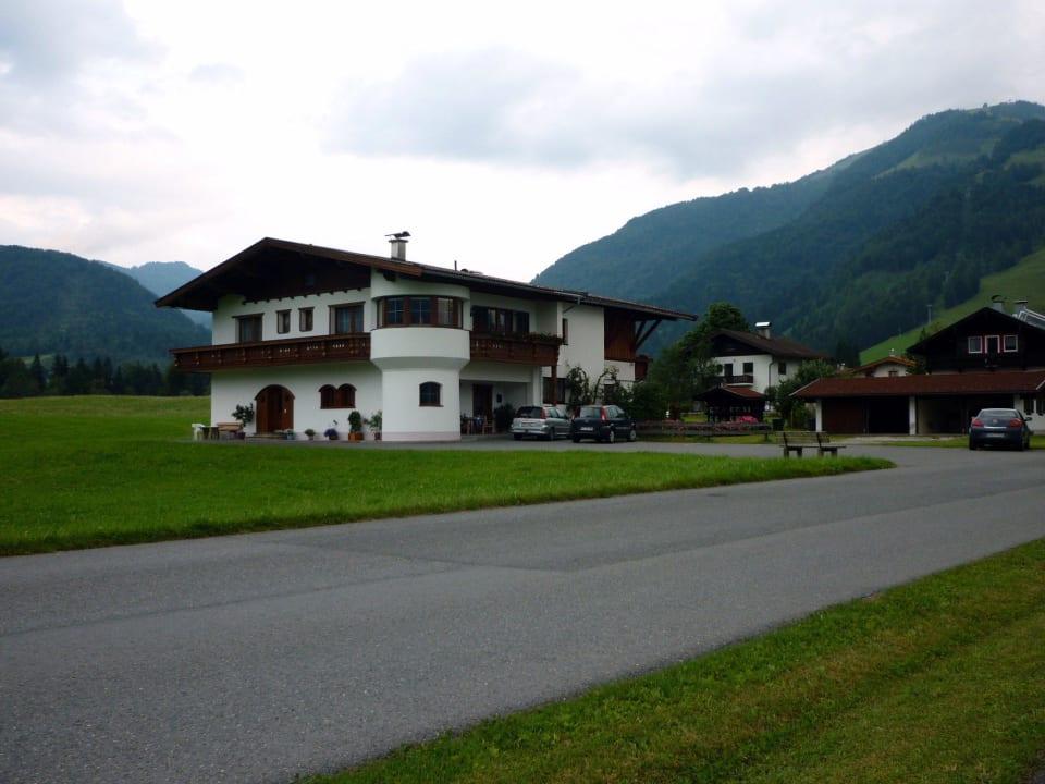Direkt  vor der Einfahrt Ferienhaus Resi & Obermoser