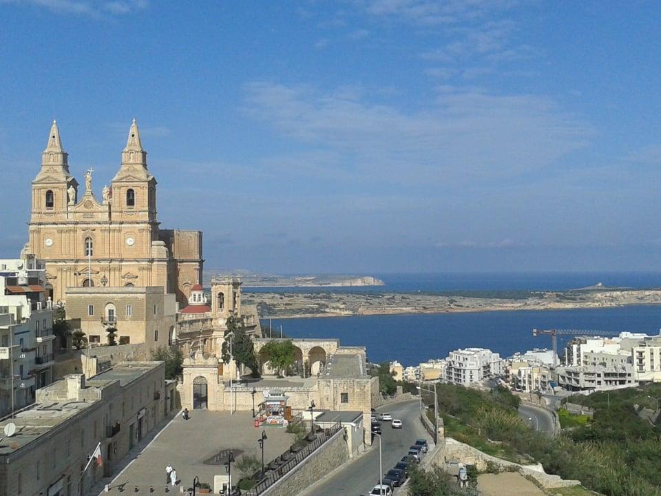 Vom Dach des 7. OG zum Strand Maritim Antonine Hotel & Spa Malta