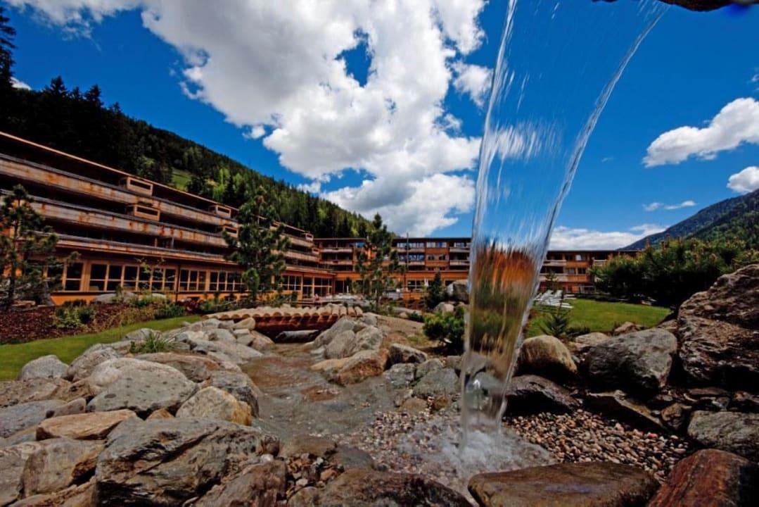 Wasserlauf im Garten Arosea Life Balance Hotel