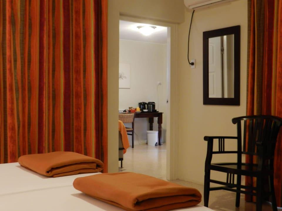 Zimmer im Wohnhaus Bed & Breakfast Sombre Di Kabana