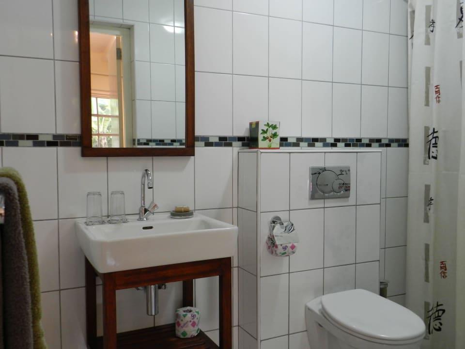 Zimmer 1 im Cottage Badezimmer Bed & Breakfast Sombre Di Kabana