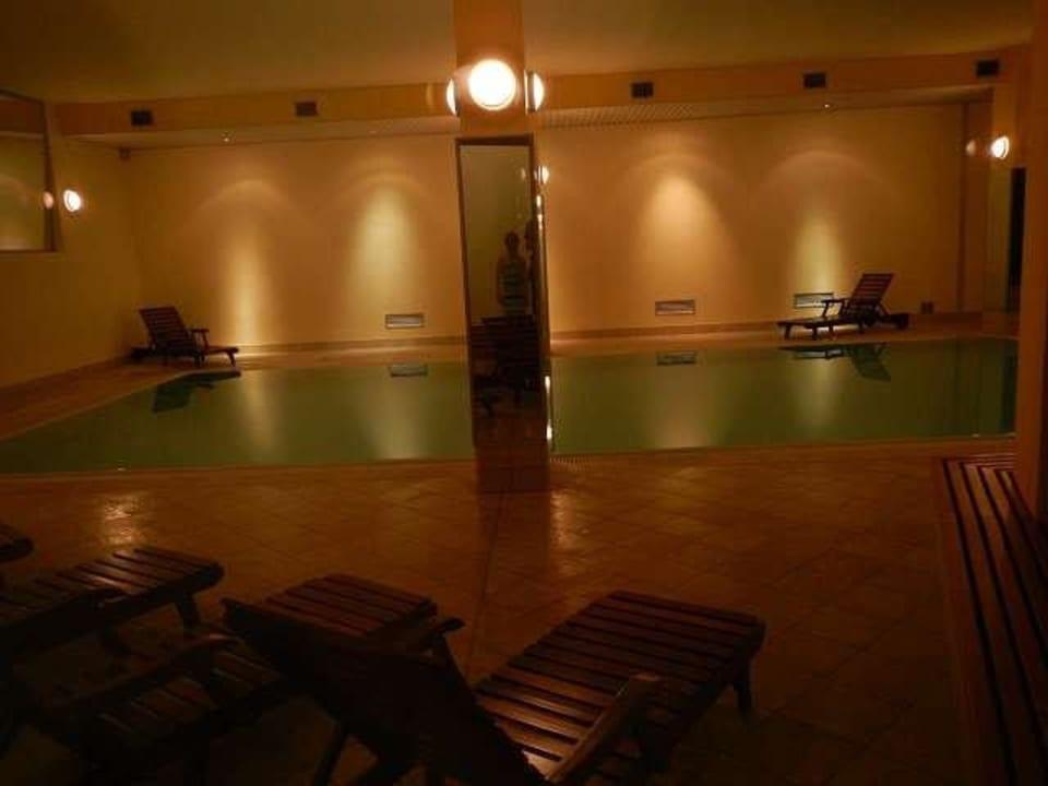 Pool am Abend Hapimag Resort Cannero