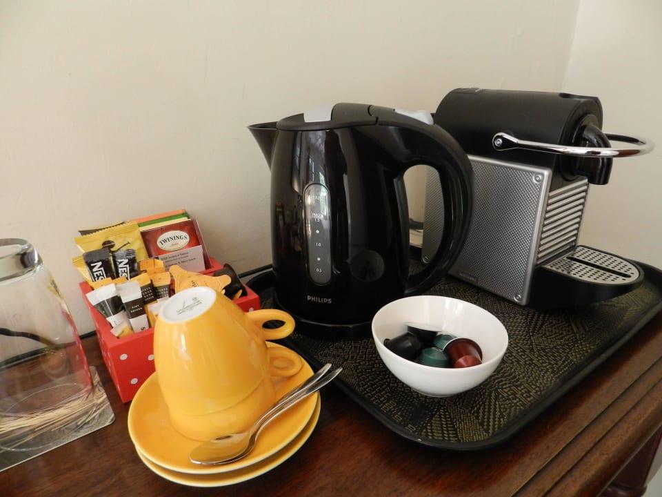 Kaffee/Tee in jedem Zimmer Bed & Breakfast Sombre Di Kabana