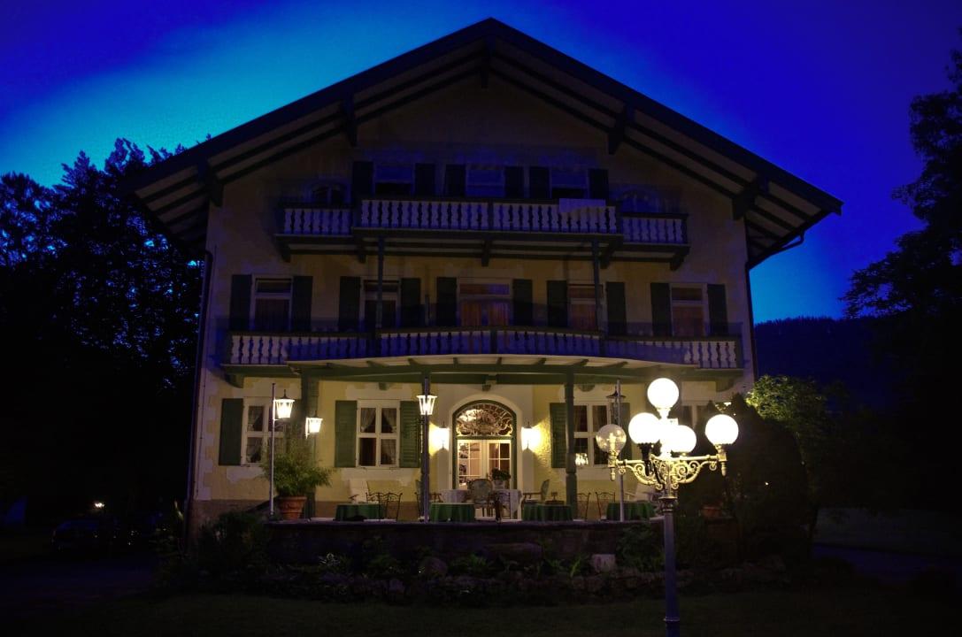 Terrasse am Abend Villa Adolphine