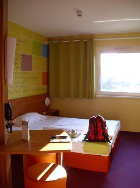 Einzelzimmer B&B Hotel Stuttgart-Vaihingen