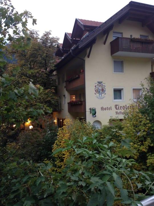 Ansicht von der Dorfstraße Hotel Tirolerhof