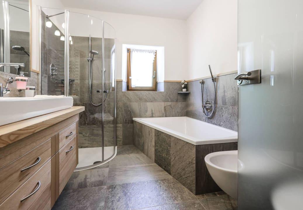 Bad mit Dusche und WC Gostnerhof