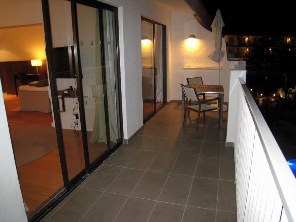 Balcony of R.O.O.M. suite Sunprime Atlantic View