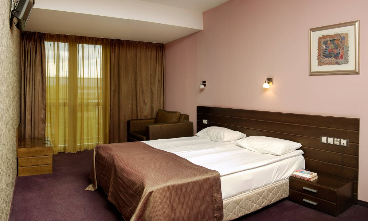 Deluxe Double room with King-size bed Budapest Hotel