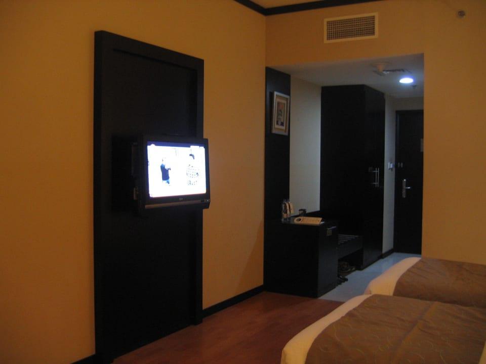 Doppelzimmer Blick zum Eingang Grandeur Hotel