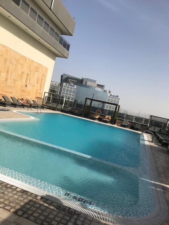 Pool Pullman Dubai Creek City Centre