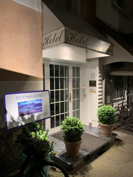 Außenansicht Hotel Teutonia