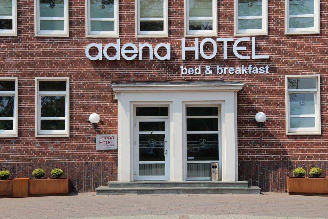 Lobby Hotel Adena