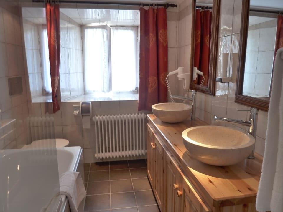Bad mit Wanne Hotel Gasthof Terofal