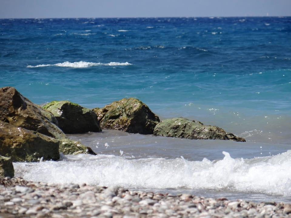 Do plaży kamienistej bliziutko Hotel Oceanis Beach