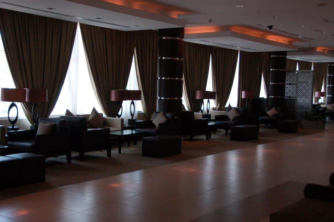 Лобби Hotel Holiday Inn Express Dubai Internet City