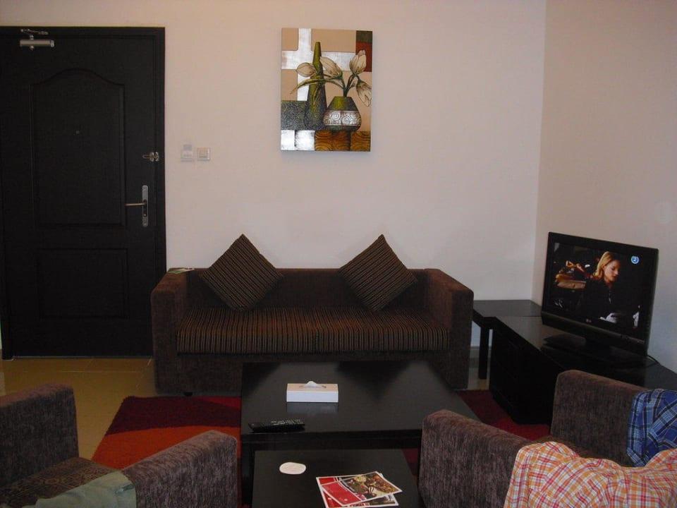 Wohnbereich Ramada Hotel & Suites by Wyndham Ajman