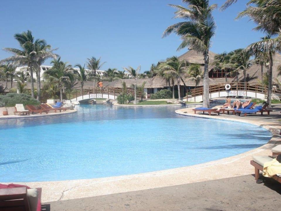 Pool Grand Oasis Cancun