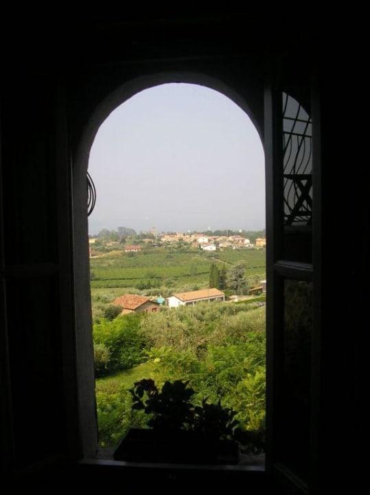 Hotel auf einer Anhöhe mit Blick auf den Gardasee Hotel Castello S. Antonio