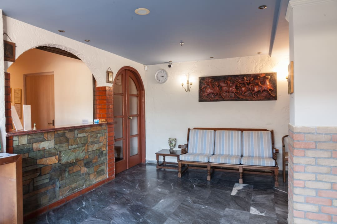 Lobby EVINA Rooms & Suites