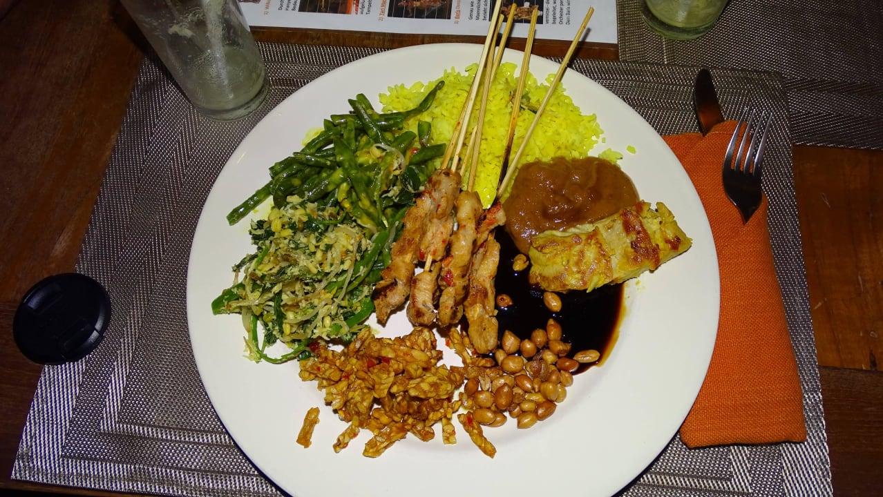 Balinesische Spezialitäten - echt lecker Hotel Tauch Terminal Resort Tulamben