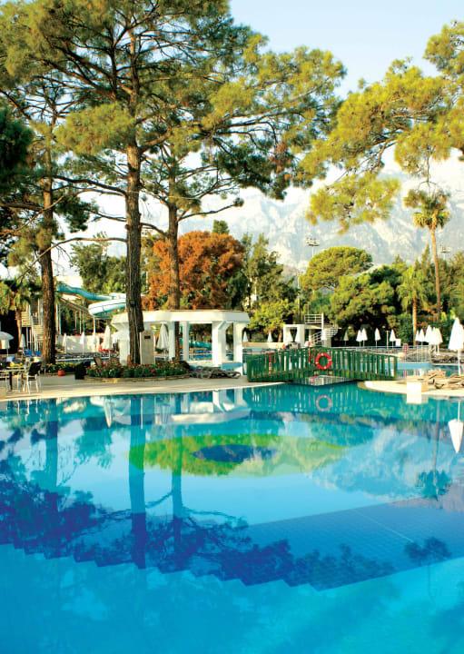Hauptgebaeude Pool Kilikya Palace Göynük