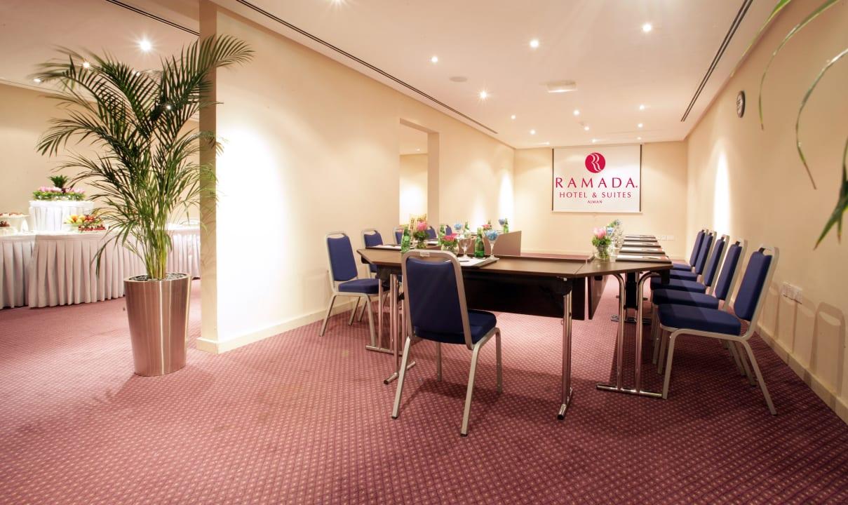 Meeting Room Ramada Hotel & Suites by Wyndham Ajman