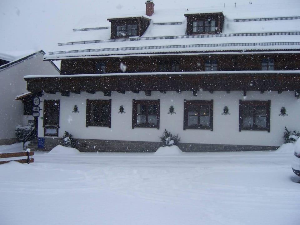 Der Gasthof im Winter Pension und Ferienwohnungen Zum Rechen