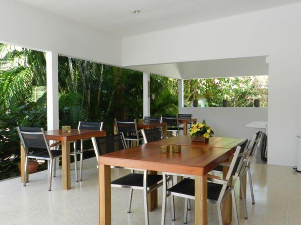 Frühstück am Garten Bed & Breakfast Sombre Di Kabana