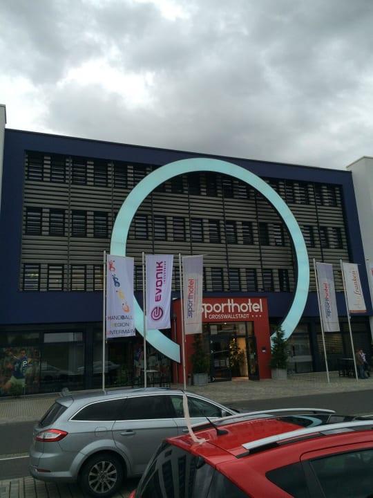 Hoteleingang Business & Conference Sporthotel Großwallstadt