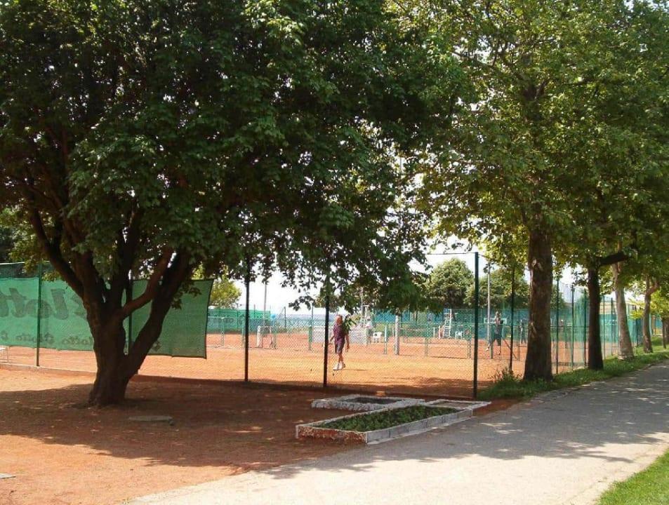Tennisplätze Hotel Russalka