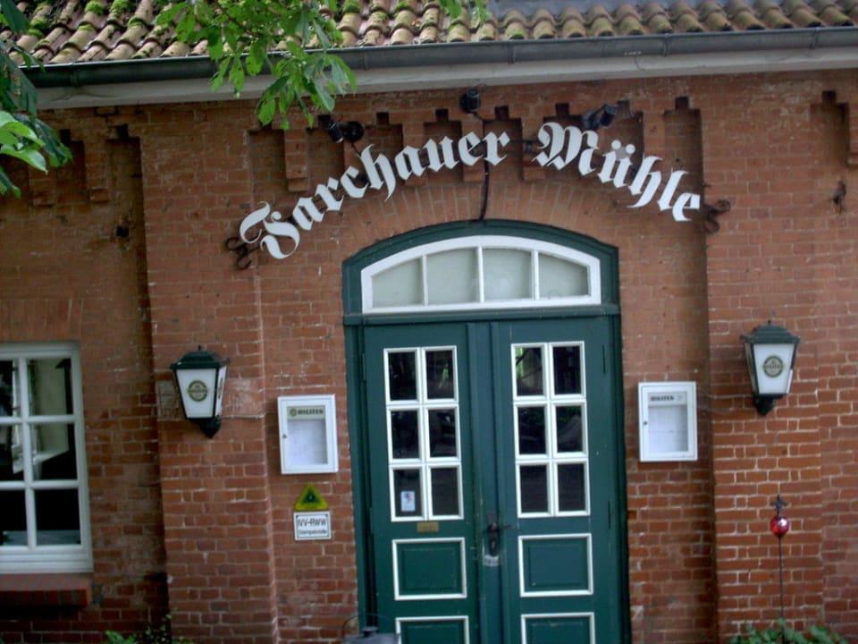 Restauranteingang Hotel Farchauer Mühle