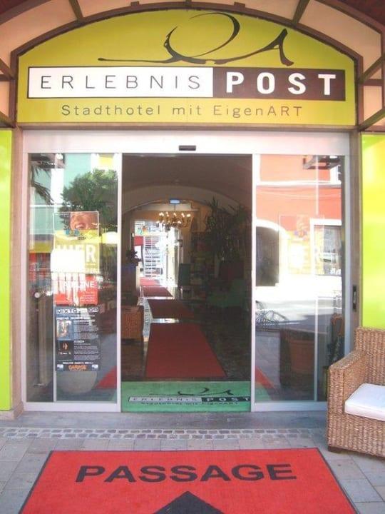 Eingang Erlebnis-Post Hotel Erlebnis Post