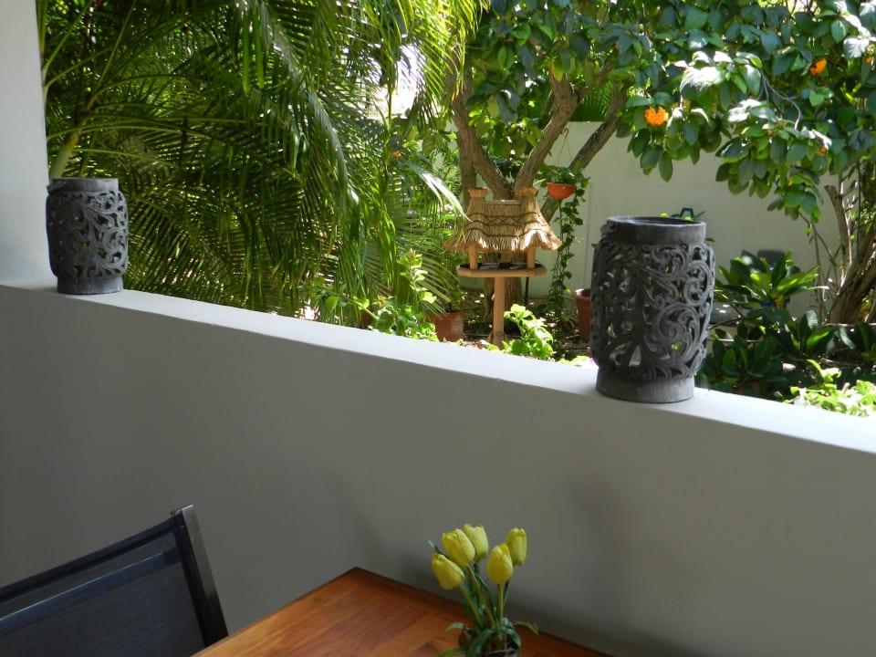 Blick vom Veranda Bed & Breakfast Sombre Di Kabana