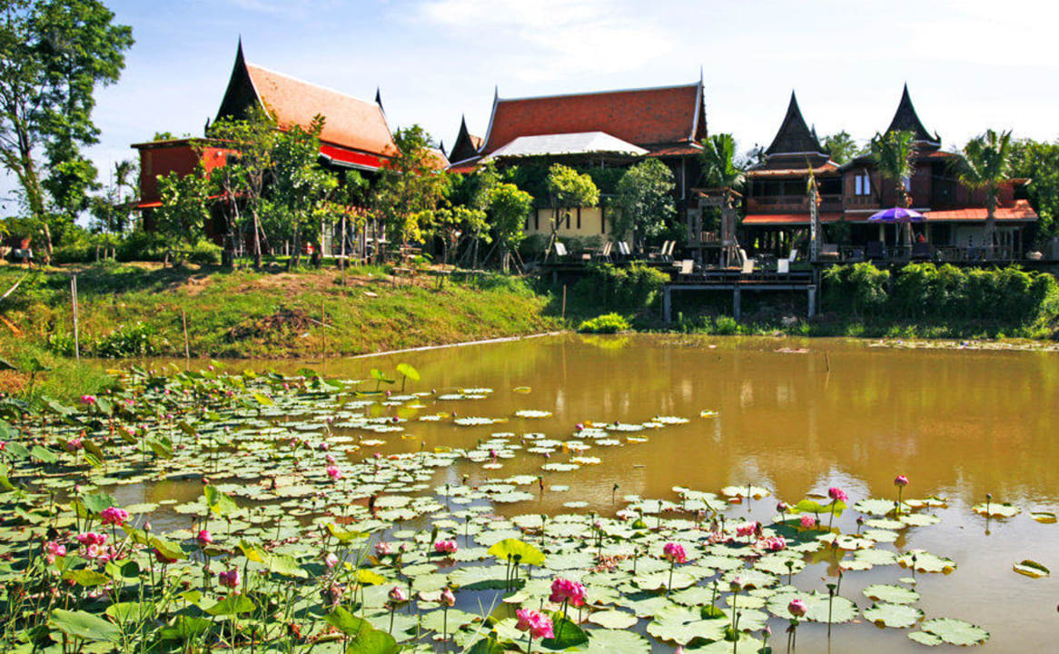 Thai style teak resort Ayutthaya Retreat