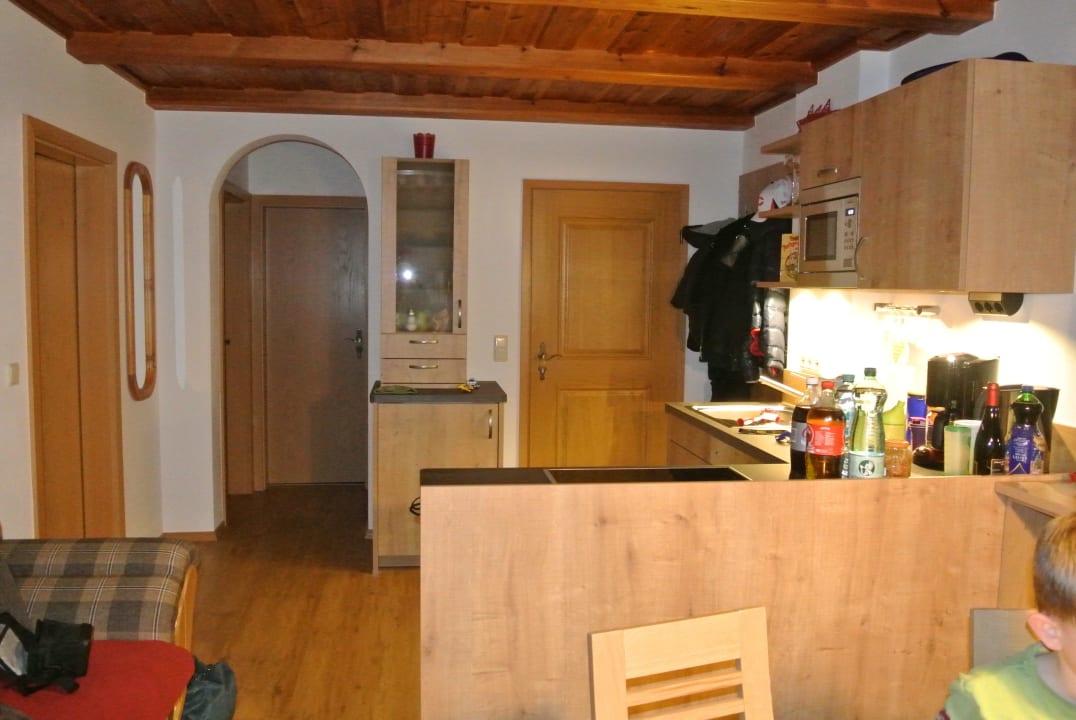Küche und Eingangsbereich Kochhof