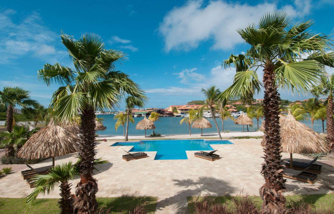 Pool and Spanish Water view La Maya Beach Curacao Resort