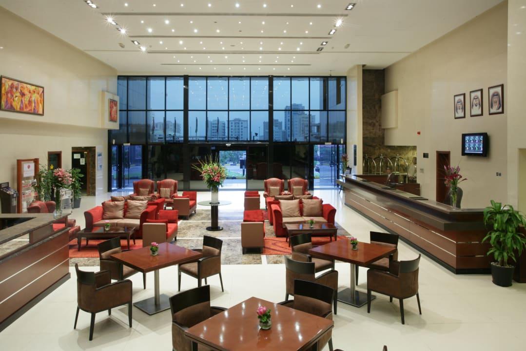 Hotel Lobby Ramada Hotel & Suites by Wyndham Ajman