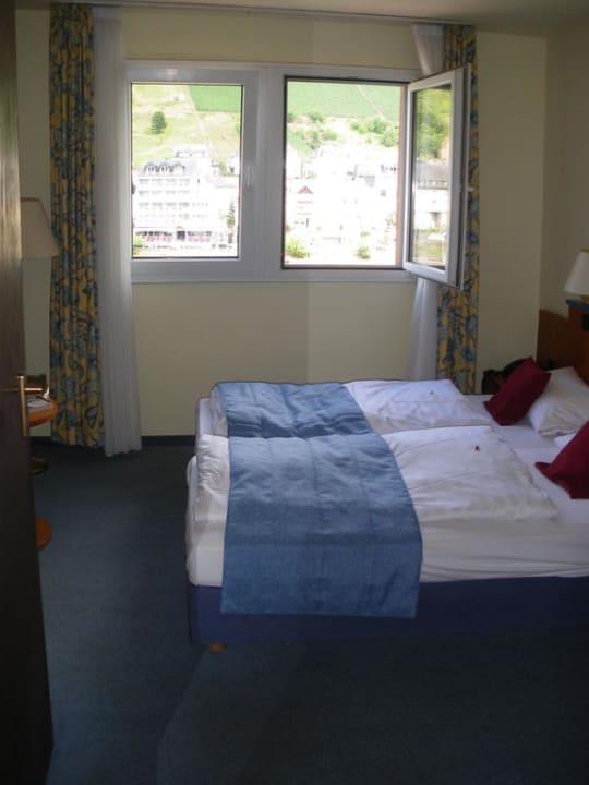 Bett und Fenster Hotel Karl Noss