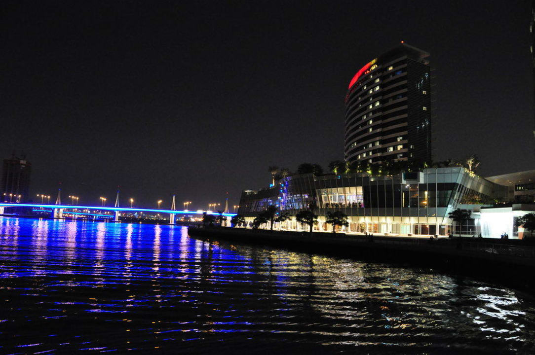 Crowne Plaza bei Nacht Hotel Crowne Plaza Dubai Festival City