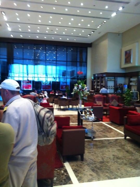 Lobby Ramada Hotel & Suites by Wyndham Ajman