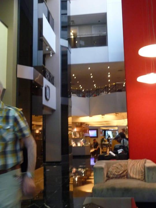 Blick zum Restaurantbereich Aspen Towers Hotel