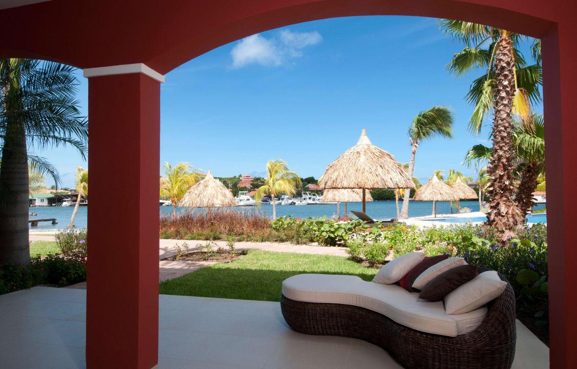 Porch area La Maya Beach Curacao Resort