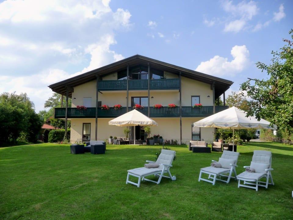 Außenansicht Hotel Garni Chiemsee Pension Seebruck
