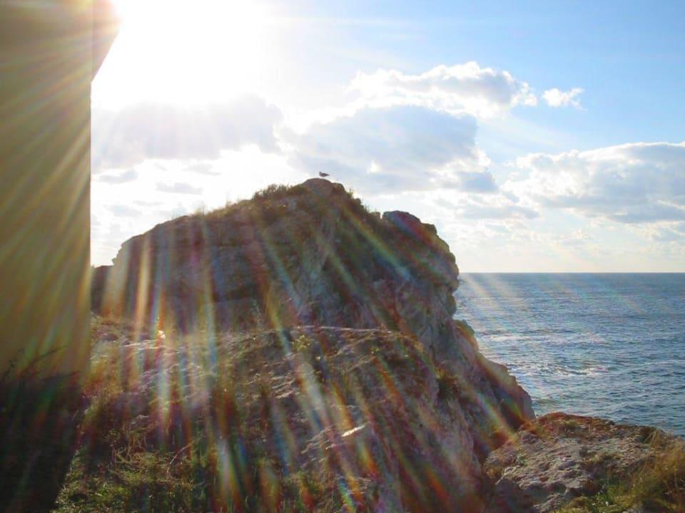 Sonne über den Felsen Hotel Russalka