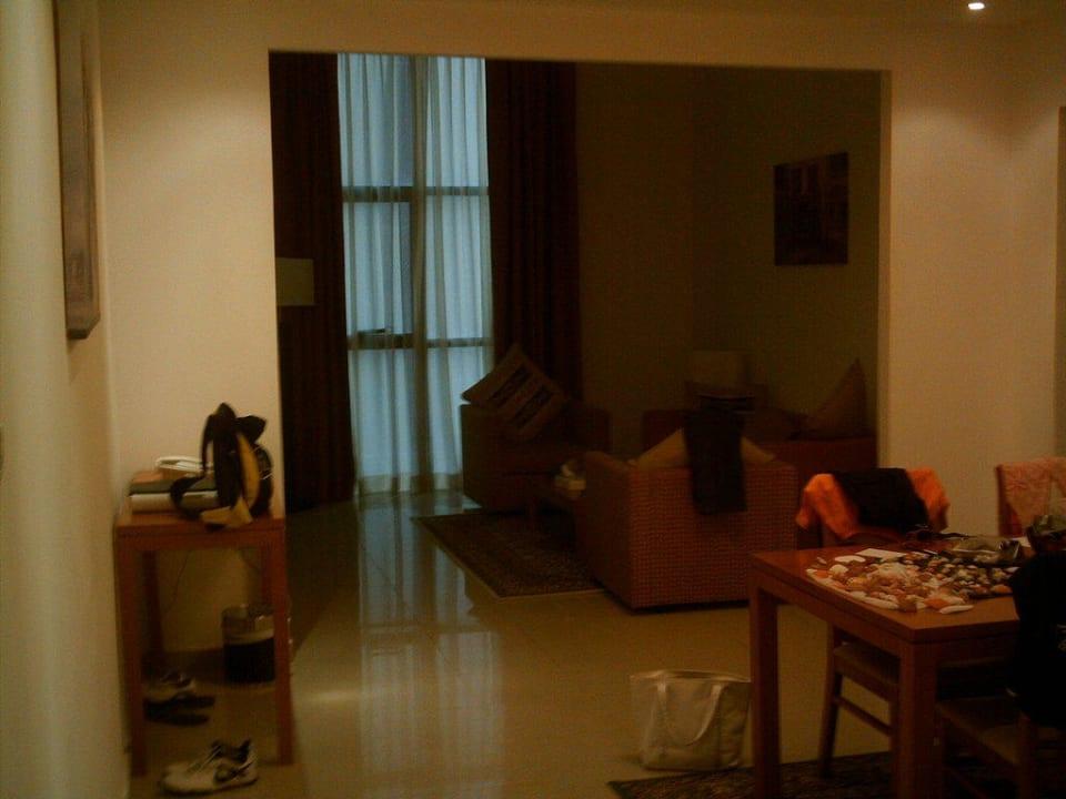 Das Wohnzimmer Ramada Hotel & Suites by Wyndham Ajman