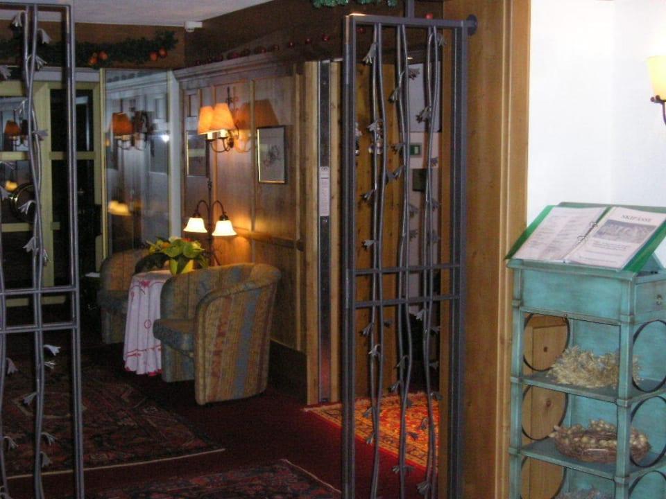 Lobby Hotel Enzian