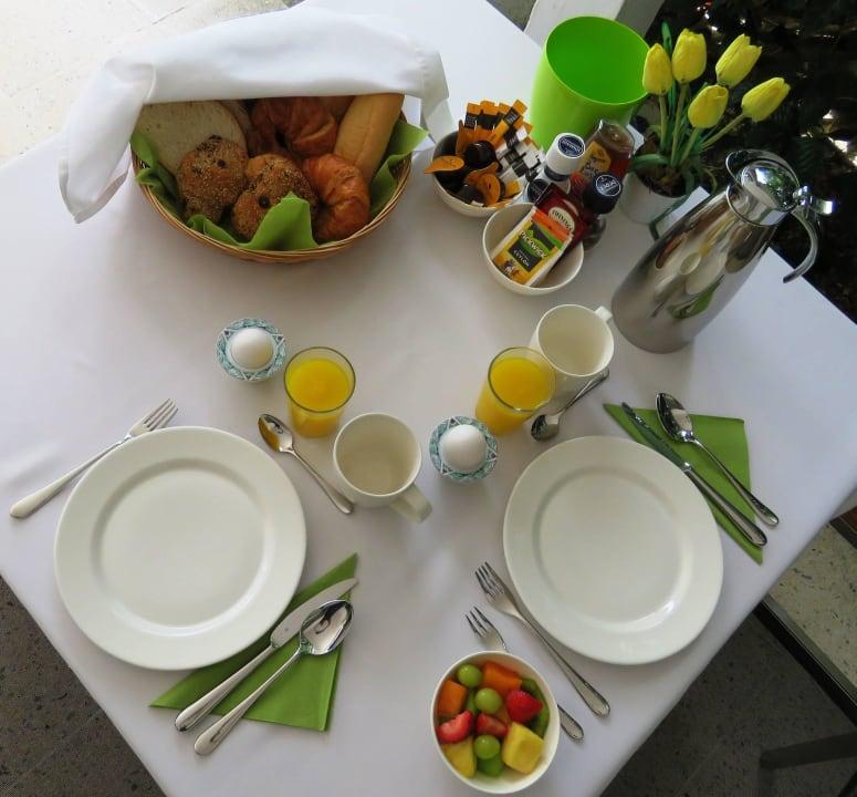Ihr Frühstückstisch Bed & Breakfast Sombre Di Kabana