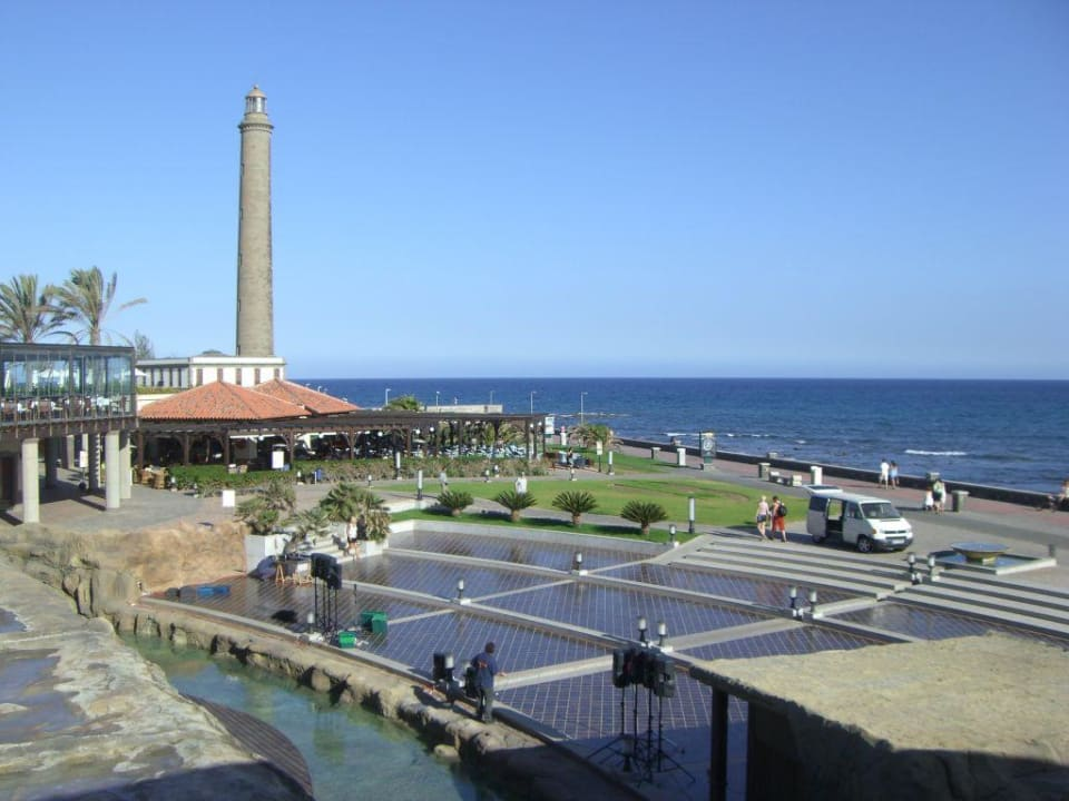 Promenade unterhalb des Hauptpools Lopesan Costa Meloneras Resort, Spa & Casino