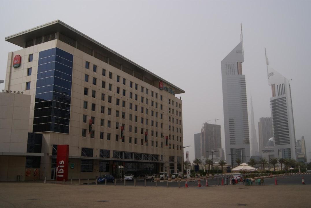 Ibis Hotel mit Burj Khalif  Ibis World Trade Centre